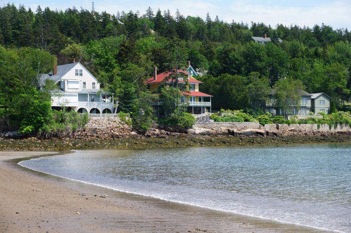 Beach-houses near Acadia